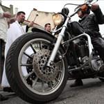 Áldott motorosok - fotó