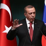 Újabb török újságíró került börtönbe, több tucat médiamunkás van rács mögött