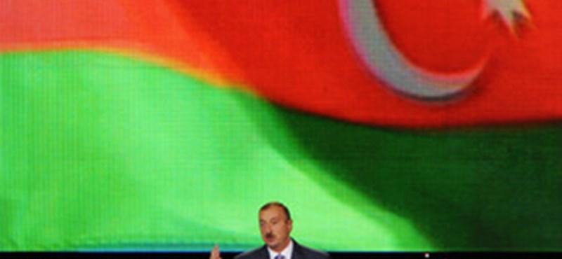 Az olaj csillogása takarja el az azeri rezsim sötét arcát