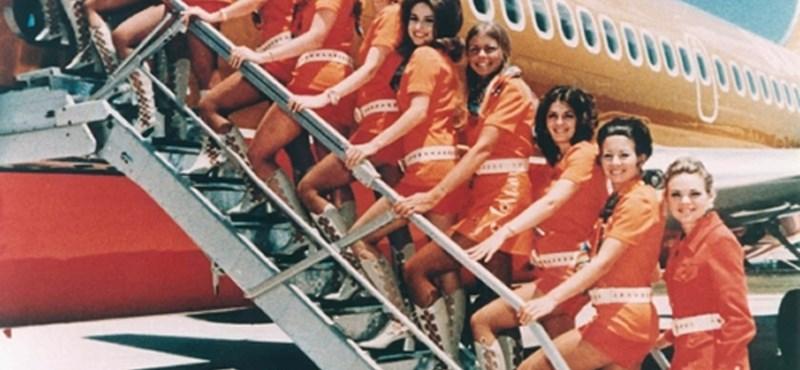 Flörtölő légiutaskísérők, szexi stewardessek