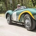 Ez az Aston Martin 2,5 milliárd forintért kelhet el, nem véletlenül