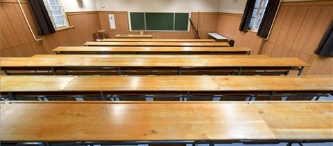 A Debreceni Egyetemen több karon is átállnak online oktatásra