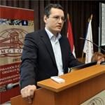 Origo: Heim Pétert Fürjes Balázs váltja a Századvégnél