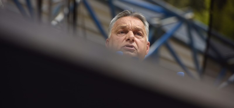 """Megvédi Orbán a lengyeleket az """"inkvizitor"""" Brüsszeltől"""