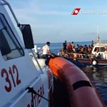 1400 menekültek mentettek ki a Földközi-tengerből