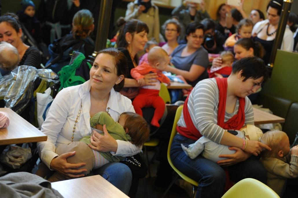 tg.15.05.22. - flashmob a szabad szoptatásért - szoptatás, flashmob