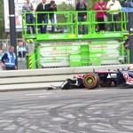 Máris Forma-1-es autót tört a Red Bull 16 éves újonca – videó