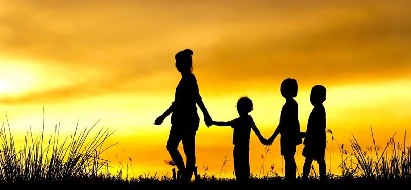 """Nagycsaládos képlet: """"A több gyerek nemcsak mennyiségi, hanem minőségi növekmény is"""""""