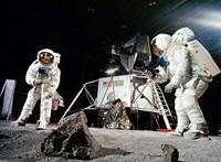 Ami miatt rettegtek a holdra szállásról: embernyelő homok, űrbéli kórságok, fullasztó holdpor