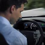 Lehet készülni az autópályán legálisan szunyókáló sofőrökre – videó