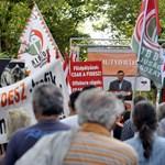 Előbb a bolsevikok, most a Fidesz vette el Harcsa úr trafikját