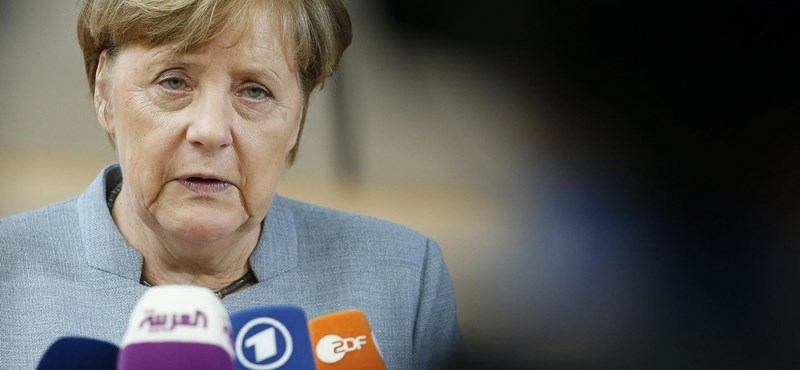 Merkel: Izrael mellett egy palesztin államot is létre kellene hozni
