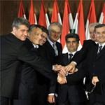 A Fidesznek bajai lesznek a platformokkal