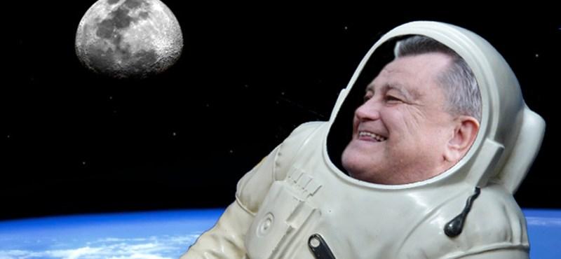 És akkor Széles Gábor elrepül a Holdra