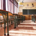 Aggasztó adatok és káosz az iskolákban: van, ahol a tanári kar 94 százaléka fertőzött