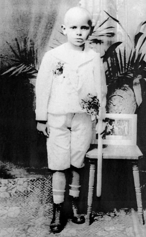afp.1930-as évek - Krakkó, Lengyelország: az ifjú Karol Wojtyla - később II. János Pál pápa