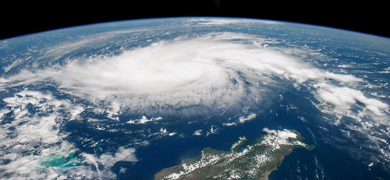 """""""Mintha szőnyegbombázással pusztítottak volna"""" - Humanitárius válság fenyeget a hurrikán után"""