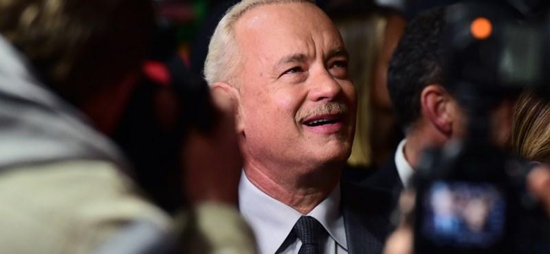 Na, milyen autóval pózolt Budapesten már megint Tom Hanks?