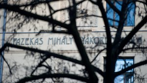 A Fazekas tanárai is csatlakoztak a NAT ellenes tiltakozáshoz