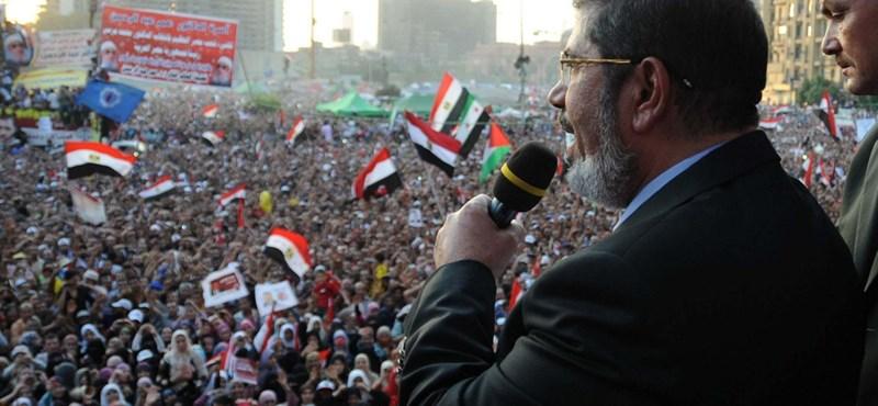 Újságírók is vannak az Egyiptomban halálra ítéltek között