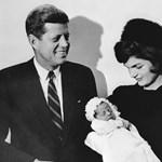 Eladják a leveleket, amelyeket Kennedy házassága idején írt svéd szerelméhez