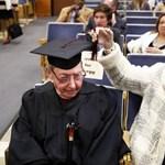 Rekorder: 90 évesen érettségizett le a háborús veterán
