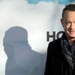 Tom Hanks esküvői meghívót kapott egy rajongójától, és még válaszolt is neki