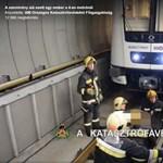 Videót közölt a Katasztrófavédelem a 4-es metró alá esett ember mentéséről