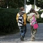 Ifjúsági őrjárattal terelik vissza a diákokat az iskolákba