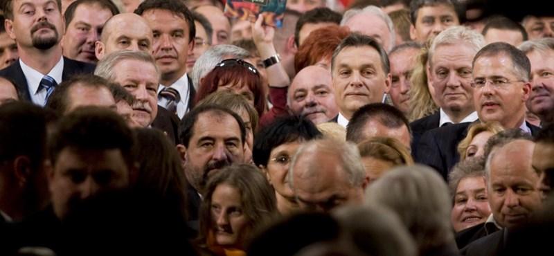 A polgármestereken verik el a port a dühös fideszesek