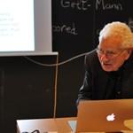 Meghalt a 89 éves fizikus, aki azonosította a Föld láthatatlan alkotóelemeit