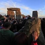 Alagutat építenek a Stonehenge alá, mert túl nagy a forgalom