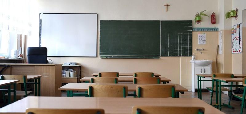 Izraelben jön a tantermi oktatás, Bulgáriában pedig engedélyezik a digitális tanrendet