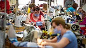 Milliószám hozhatnák az orvosi maszkokat, de senki sem bízik a kereskedőkben