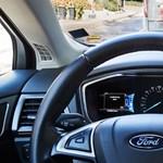 Nem bírnak ébren maradni az önvezető autókban a Ford mérnökei