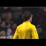 Elképesztő incidens miatt szakadt félbe az Ajax meccse - videó