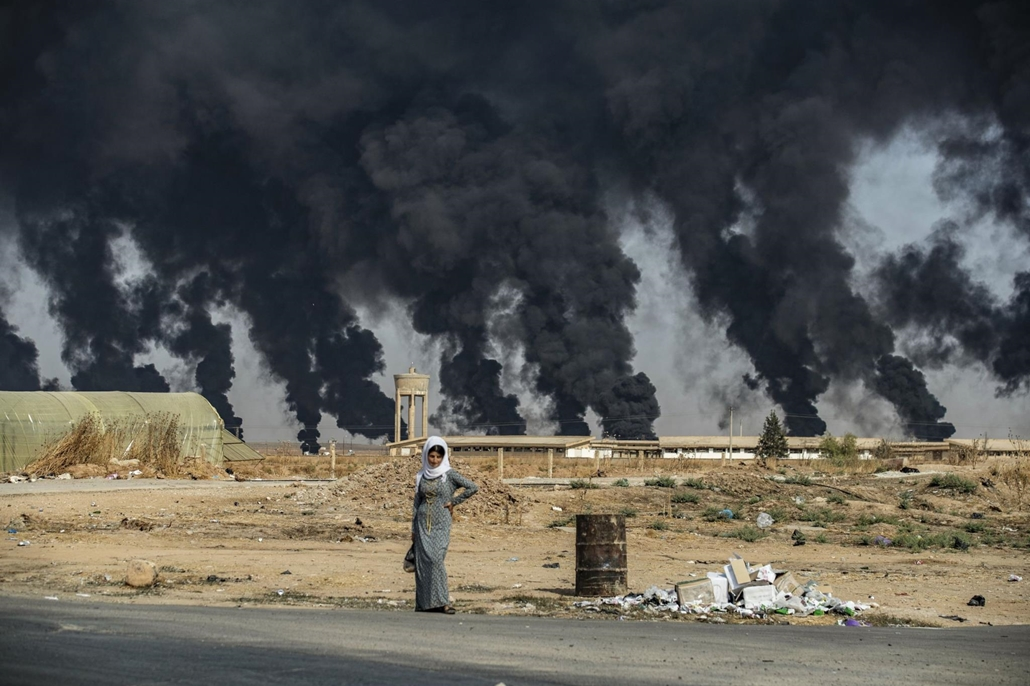 nagyítás afp.19.10.16. szíria, nő, török határ