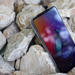 Erős androidos telefon, egy trükkös megoldással: teszten az Asus ZenFone 6
