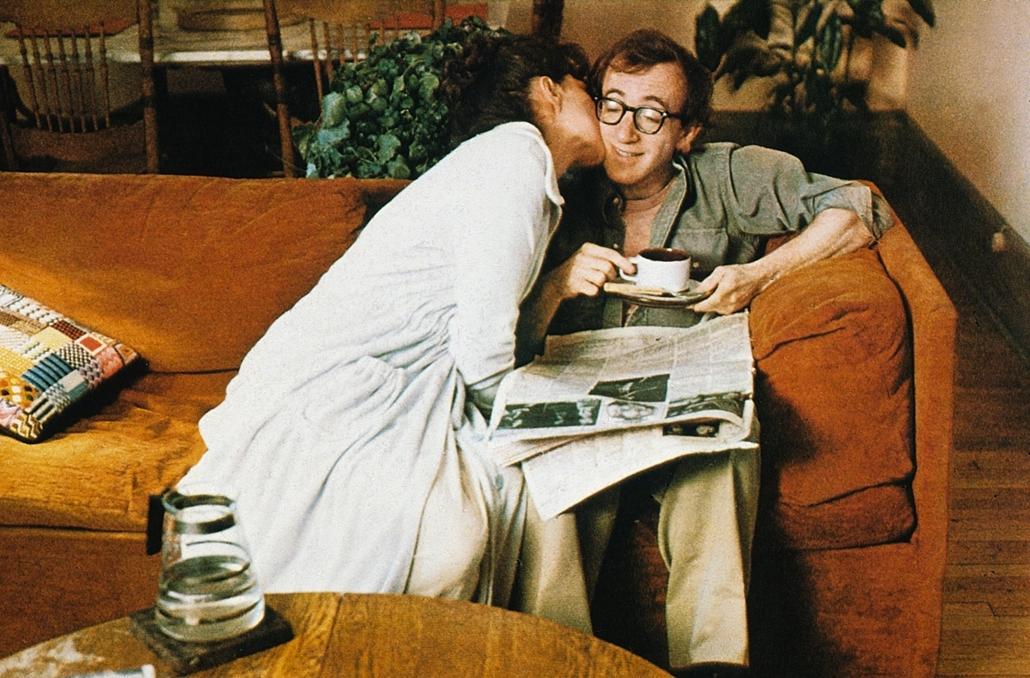 afp.1977. - Diane Keaton, Woody Allen az Annie Hall (1977) című film egyik jelenetében - nagyítás