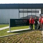 A Mercedes-gyárban szimpátiatüntetés volt a sztrájkra készülő Audi-munkások mellett