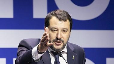 Bíróság elé állítják Matteo Salvinit