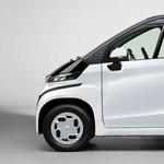 A Toyota új villanyautója mellett még a kis Smart is hatalmasnak tűnhet