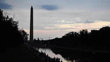 Elképesztő felvétel készült arról, ahogy a villám belecsap a Washington Emlékműbe
