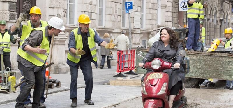 Inkább kínos, mint vicces a Budapesten forgatott kémfilm előzetese – videó