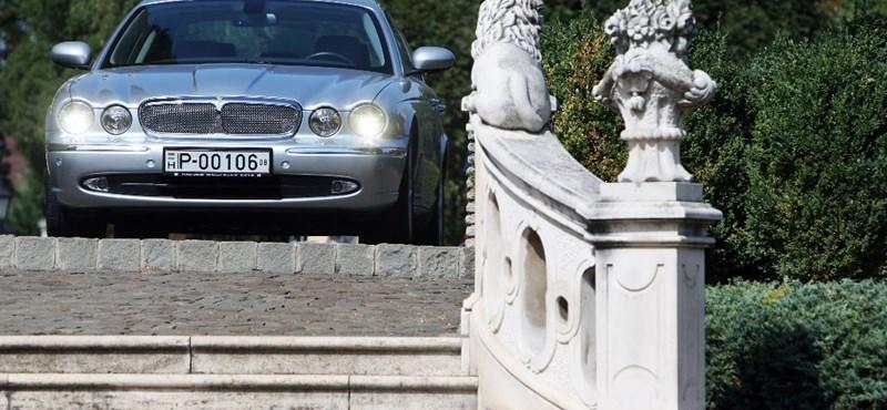 Melyik a legmegbízhatóbb luxusautó? 6-7 év