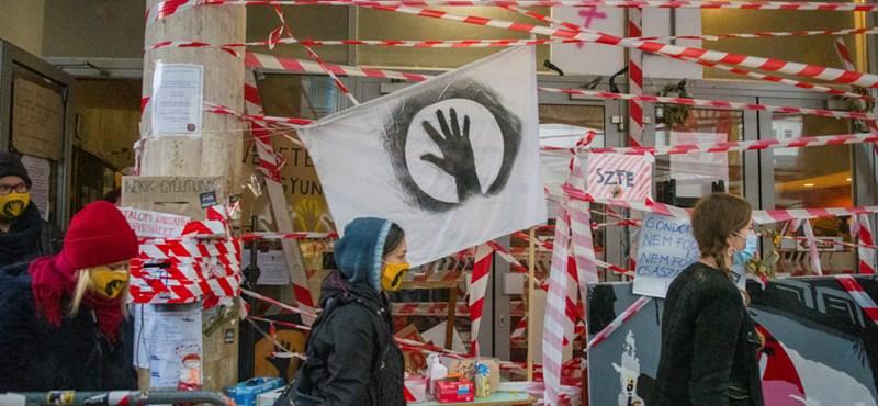 Tárgyal az egyetem vezetése: egyházi kézbe kerülhet az Ódry Színpad