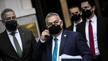 Orbán a gyengébb felfogásúaknak is üzent a Bush-szobor avatásán