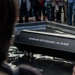Eltemették a köztársaságot a Parlamentnél (fotó, videó)