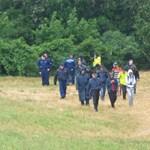 Veszélyes helyeken átkelő migránsok nyomába eredt az MTI