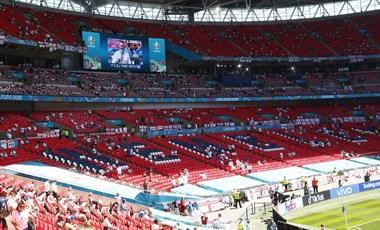 Képmutatás felsőfokon: különleges elbánásban részesülnek a döntőre érkező VIP-ek